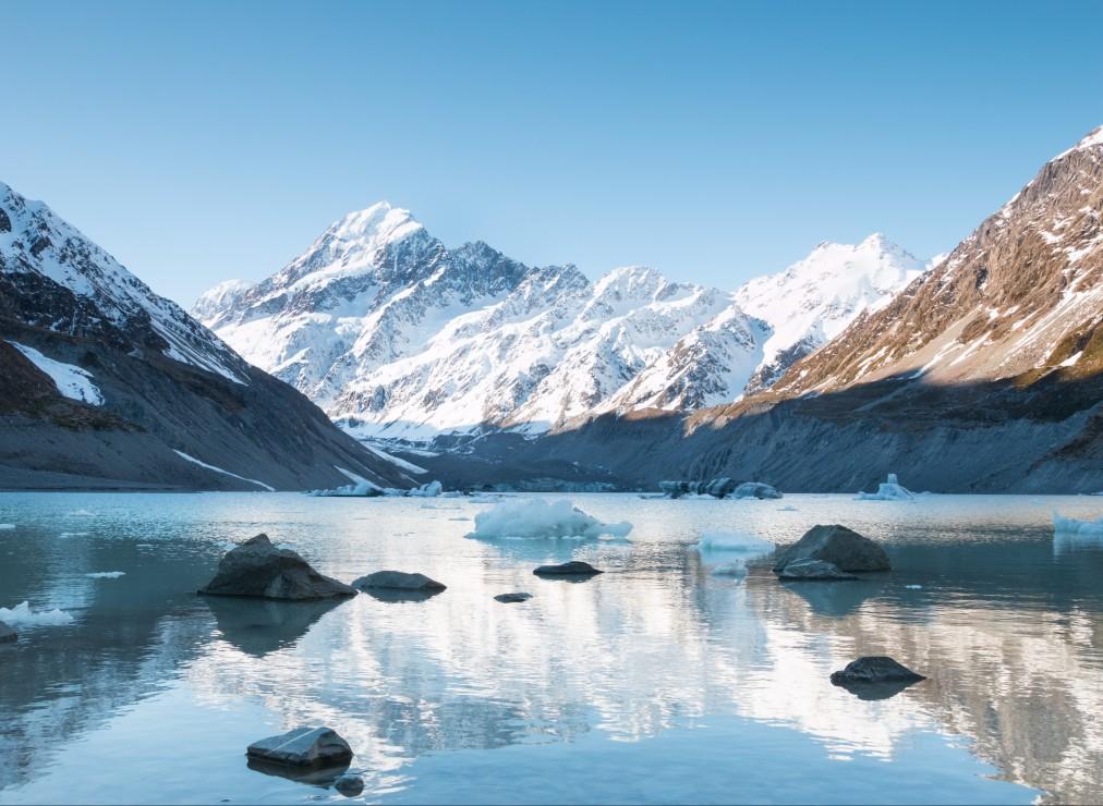reflexion-sur-le-mont-cook-dans-hooker-lake-parc-national-aoraki-nouvelle-zelande