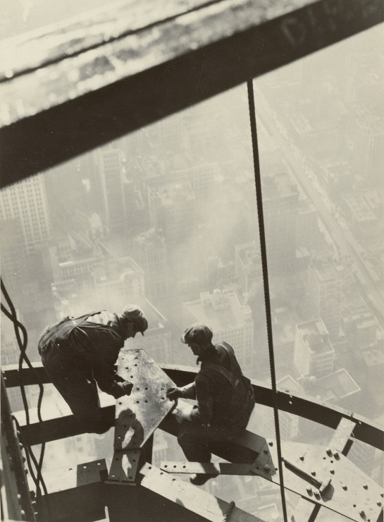 lewis-w-hine-empire-state-building-new-york-1931