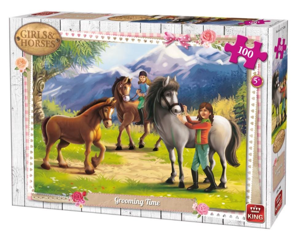 girls-horses