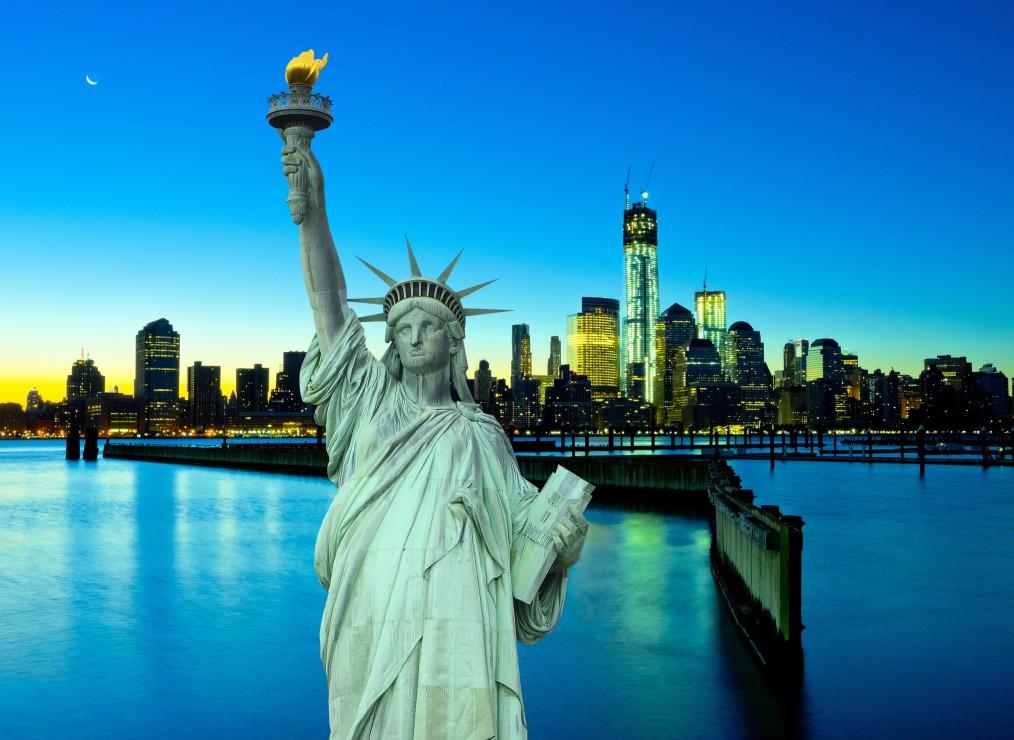 new-york-city-by-night-usa