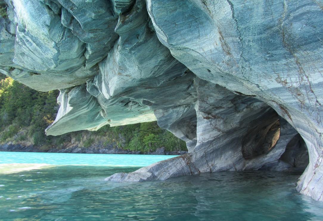 pieces-xxl-grotte-de-marbre-bleu-chili