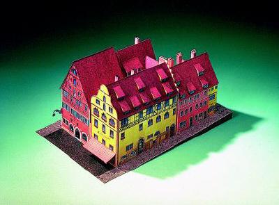 maquette-en-carton-hotel-eisenhut-rothenbourg